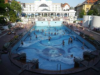historical surf wave pool Budapest
